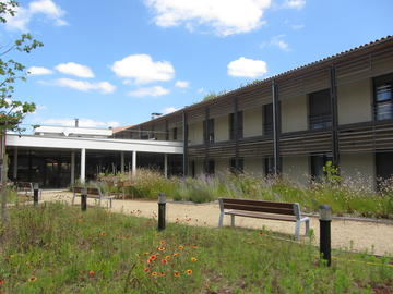 Maison de retraite les balcons de la leyre urgences et for Agent maison de retraite